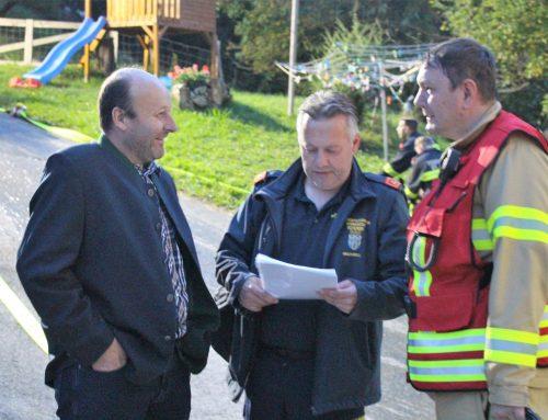 Drei Feuerwehren bekämpfen schwieriges Objekt!